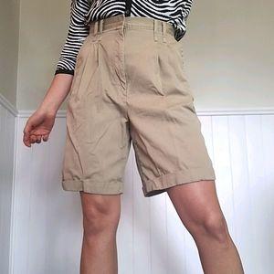 🤩 Vintage tan pleated shorts